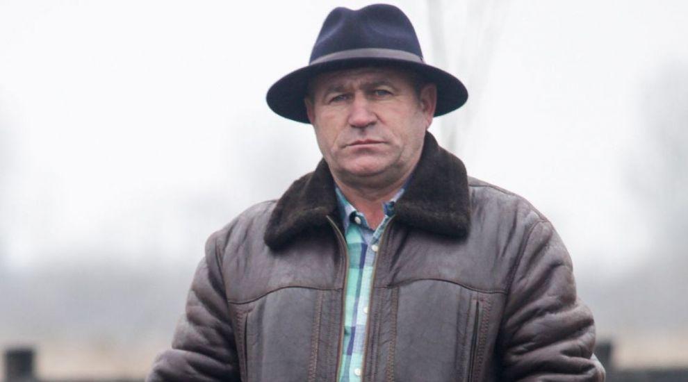 """Cine este fermierul care ii va antrena pe cei 12 concurenti la """"Ferma Vedetelor"""""""