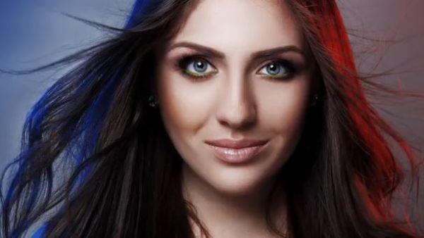 """Elena Javelea, fosta concurenta de la """"Vocea Romania"""", lanseaza piesa """"Spre tine"""". Single-ul se aude aici - AUDIO"""