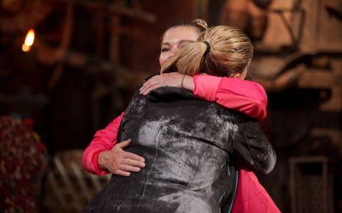 Gina Pistol si Cristina Cioran - duel la categoria grea!