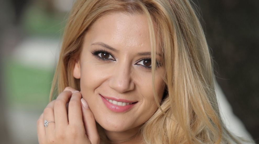 "Amalia Enache va decide ""Who`s King in Public SpeaKING"""