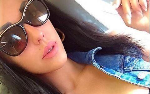 Vedeta din Romania care ii face concurenta lui Kim Kardashian. S-a fotografiat asa si a facut ravagii pe internet