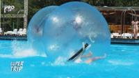 O bila de plastic, o piscina mare si multa ambitie. Cum s-au descurcat concurentii la provocarea lui Andi Vasluianu