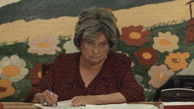 Stela Popescu, directoarea scolii din Las Fierbinti. Aventurile continua in cel mai tare serial de comedie din Romania!