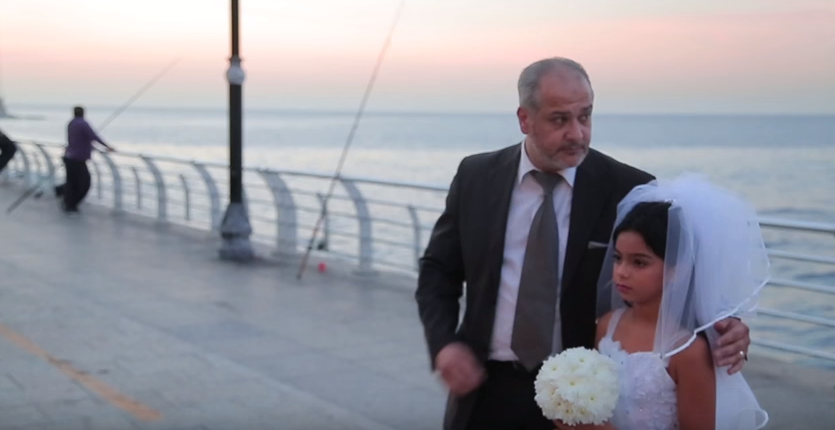 Este a ta? Felicitari!  Cum reactioneaza libanezii cand vad o fetita de 12 ani maritata cu un barbat de 60 de ani