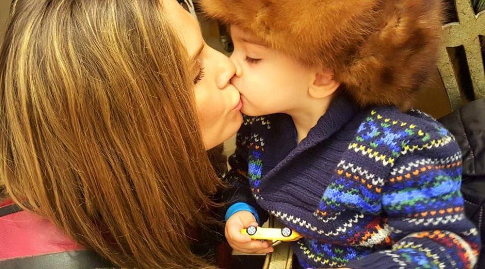 Pe ea o vezi mereu la TV, dar imaginile cu fiul si partenerul ei sunt rare. Poza cu care Anna Lesko a facut senzatie