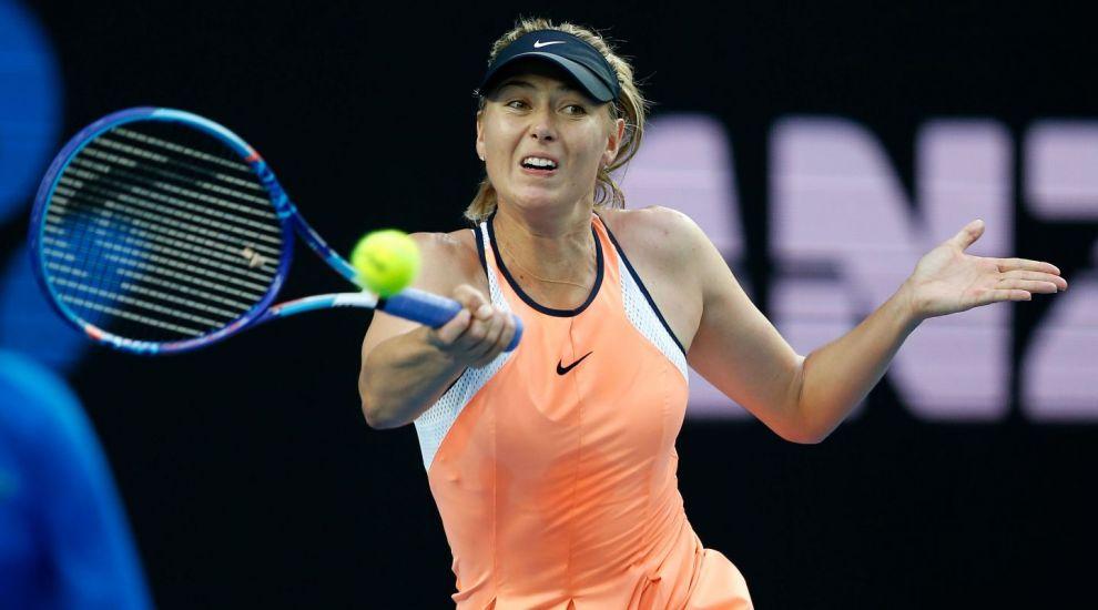 Jucatoarea de tenis care impresioneaza cu fizicul ei. Maria Sharapova uimeste intr-o rochie eleganta si scurta.