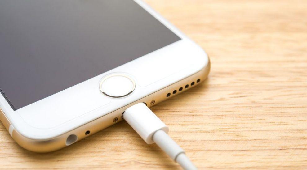 5 mituri demontate despre bateria telefonului mobil si modul in care trebuie sa o incarci