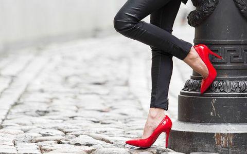 Ce cred barbatii vs ce cred femeile despre femeile pe tocuri?