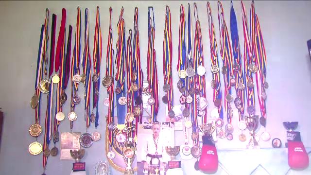 Lupta fantastica a acestei campioane din Romania! In ce conditii traieste fata geniala care a strans o camera de medalii