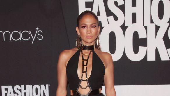 Jennifer Lopez, ipostaze incendiare in serialul Shades of Blue. Cum arata vedeta in rolul unui ofiter de politie