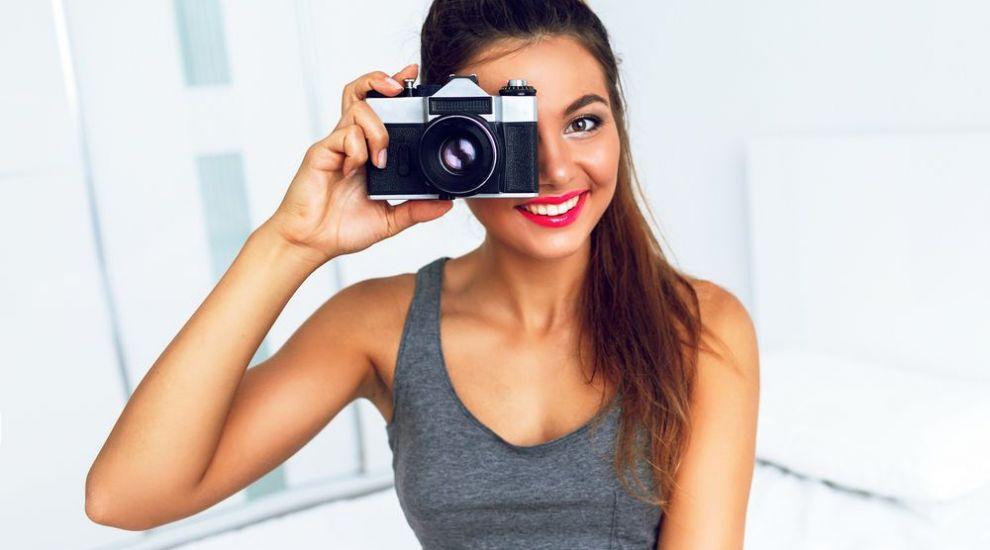 Cum sa iesi mai bine in poze. Sfaturi pentru orice femeie pasionata de fotografie