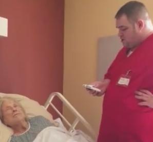 Un asistent medical a fost filmat in rezerva unei paciente! Ce face el este cu adevarat un pansament pentru suflet