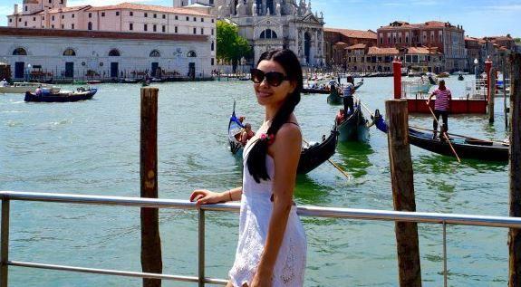 Corina Caragea, fotografii de nota 10 in cele mai romantice locuri din lume