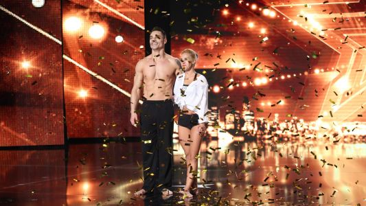 Romanii au talent 2016: Duo Cris & Lory - Dans acrobatic