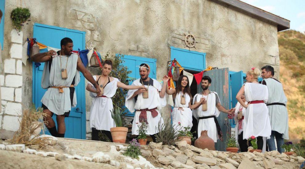 Si-au demonstrat talentul de dansatori in fata unui public exigent. Cum s-au descurcat baietii la dansurile cipriote