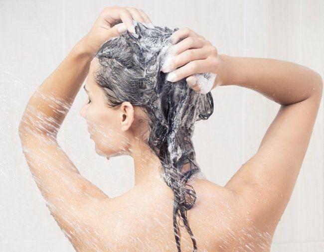 Trucul care te ajuta sa obtii parul perfect dupa fiecare baie. Dovada ca te-ai spalat gresit pe cap pana acum