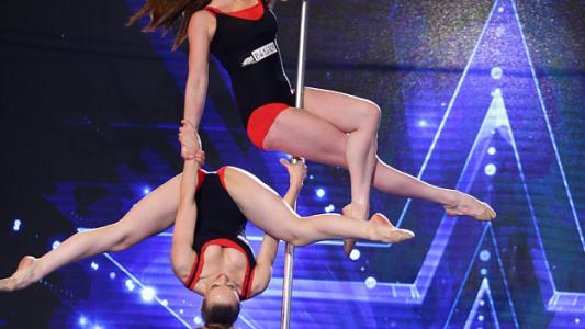 Romanii au talent 2016: Ryabova Ecaterina si Diana Kushchak - Pole dance