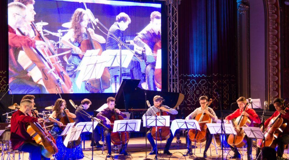 Andrei Licaret, Marin Cazacu si Ansamblul Violoncellissimo canta din nou pentru copiii fara o casa si o familie