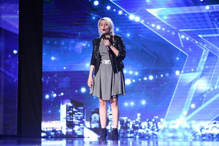 Cand a vazut ce poate sa faca, Mihaela Radulescu i-a declarat ca o iubeste. S-a ras cu lacrimi si in public si in culise