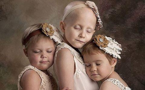 Sufereau de cancer cand au fost fotografiate asa, iar imaginea a ajuns viral. Acum sarbatoresc vindecarea