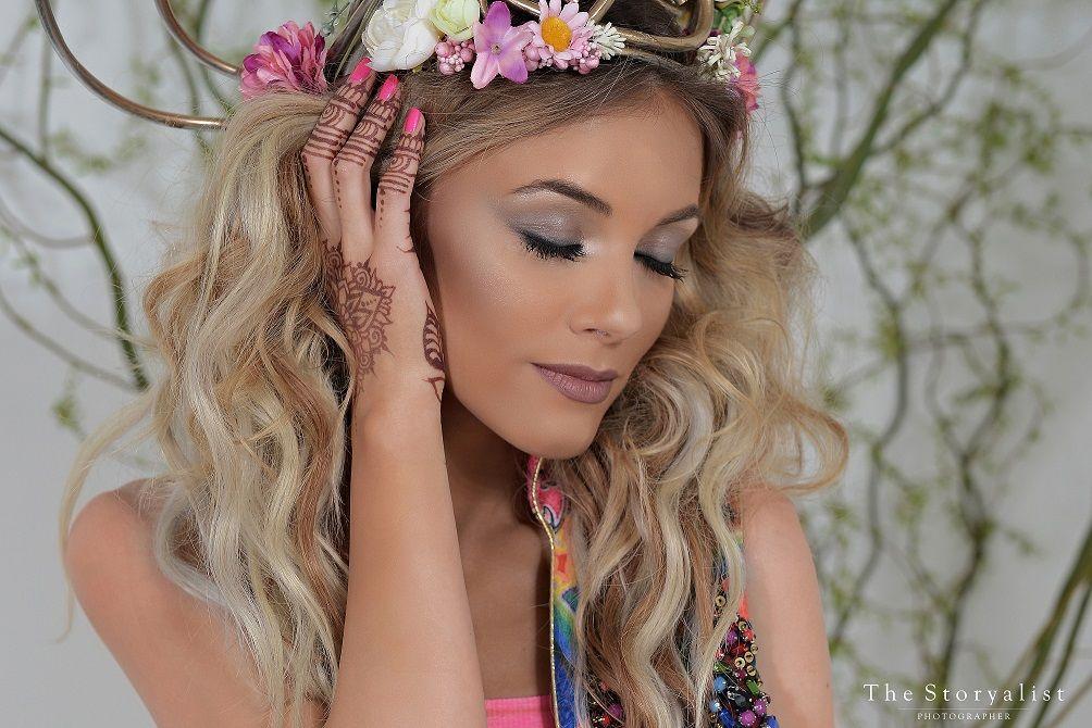 Andreea Ibacka a fost transformata in Beyonce de hairstylistul Adrian Perjovschi!