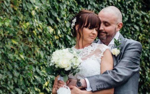 Gestul nemaivazut facut de o mireasa la propria nunta. Cum i-a dovedit sotului bolnav de cancer ca dragostea invinge tot