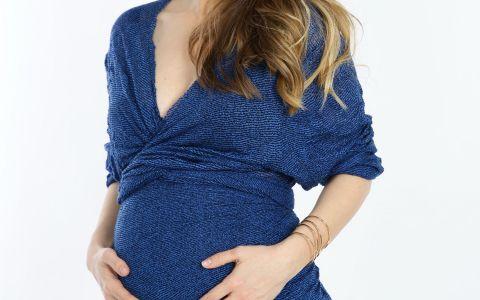 Adela Popescu vorbeste despre sarcina la  Ce se intampla, doctore?
