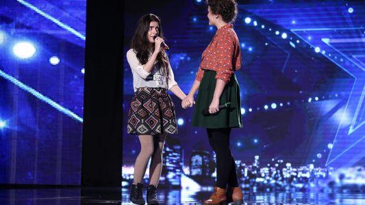 Romanii au talent 2016: Elena si Emanuela Popescu - Interpreteaza piesa You Raise Me Up