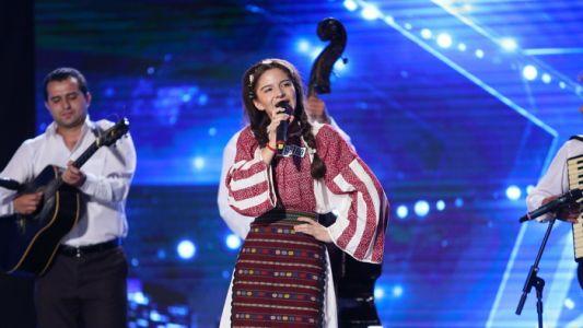 Romanii au talent 2016: Luiza Ciudin si Taraful Pitigoi - Interpreteaza o melodie populara