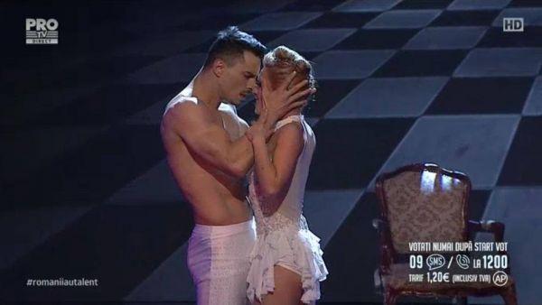 Romanii au talent 2016 - Semifinala 1: Cris Lori - Dans acrobatic