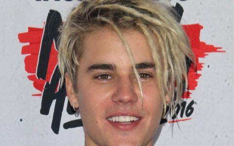 Dupa ce a aparut asa in fata fanilor, Justin Bieber uimeste din nou. Schimbarea de look care putini au inteles-o