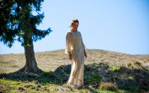 Cristina Balan a lansat in PREMIERA la Vorbeste Lumea videoclipul piesei  Unbreakable