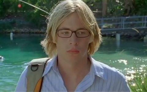 Il mai stii pe Lewis din serialul cu sirene H2O: Just Add Water? Uite cum arata dupa 6 ani de la incheierea filmarilor