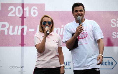 Andreea Esca si Cove au dat startul cursei Happy Run ndash; Race for the Cure pentru mii de oameni!
