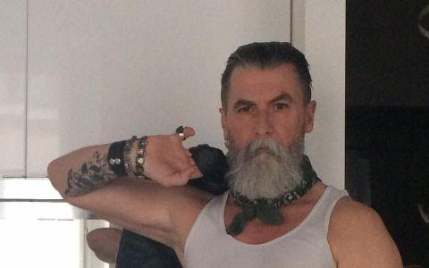 Si-a lasat barba sa creasca timp de un an, dar nu a banuit ca viata i se va schimba. A devenit vedeta peste noapte dupa o simpla decizie
