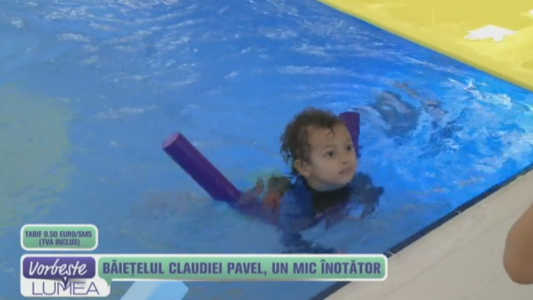 Baietelul Claudiei Pavel, un mic inotator