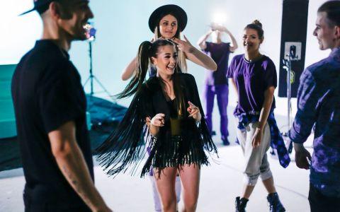 E cea mai HOT colaborare a verii? Nicole Cherry si Connect-R lanseaza piesa si videoclipul  Se poarta vara  - VIDEO
