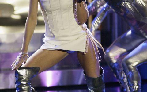 Au spus ca e posesoarea posteriorului perfect. Cum arata acum Kylie Minogue, cea mai sexy miniona din showbiz
