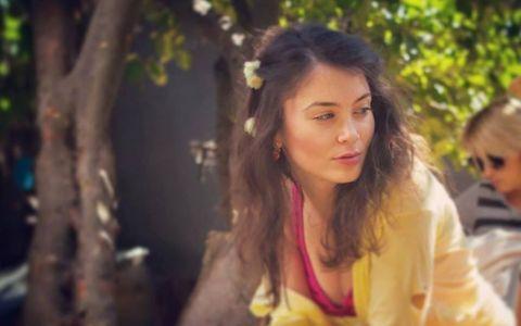Gianina din  Las Fierbinti , asa cum rar ai ocazia sa o vezi. Cum arata Anca Dumitra atunci cand nu se afla in lumina reflectoarelor