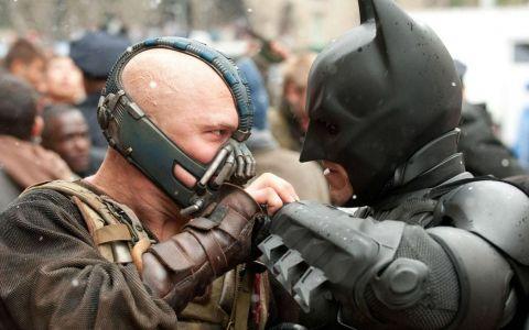 Il mai tii minte pe inspaimantatorul Bane din  The Dark Knight Rises ? Transformarea prin care a trecut actorul