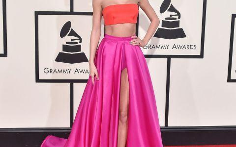 Ii copiaza tinutele lui Taylor Swift intr-o maniera incredibila. Cum arata creatiile care fac senzatie pe internet
