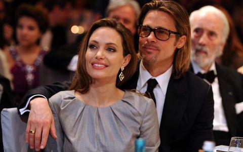 Aparitie rara pentru Angelina Jolie si Brad Pitt, alaturi de gemenii Vivienne si Knox. Cum au fost fotografiati