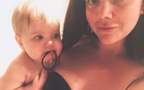 A postat o poza cu bebelusul ei de 9 luni. Cateva zile mai tarziu, imaginea a devenit virala. Motivul e surprinzator