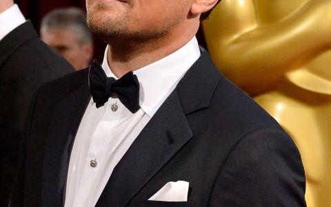 Leonardo DiCaprio, la plaja alaturi de noua iubita. Cine e tanara care l-a cucerit pe actor