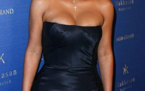 Kim Kardashian, decolteu ametitor la ultima aparitie publica. Cum a aratat, dar si ce a declarat despre baietelul ei de cateva luni