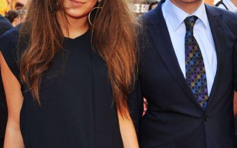Fiica lui Mr. Bean este model, dar trebuie sa o vezi pe mama ei. Cum arata frumoasa sotie a lui Rowan Atkinson