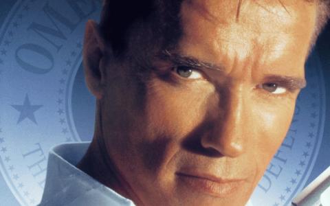Cele mai bune filme sunt la ProTV: Duminica, de la 20:30, ai productia  Minciuni adevarate  cu Arnold Schwarzenegger