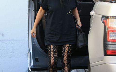 Impletitura deosebita cu care a aparut Kim Kardashian in public. Look perfect, de la coafura pana la vestimentatie