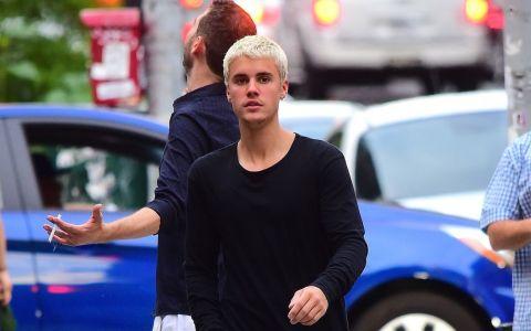 Noua cucerire pentru Justin Bieber? Blonda voluptoasa care atrage toate privirile cu formele ei perfecte