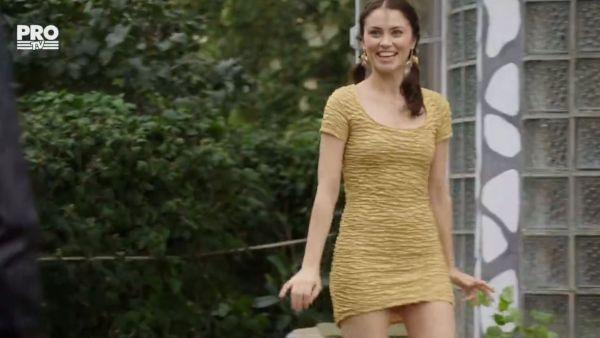 Gianina si rochiile: Stai ca mai am una si mai misto ca asta!